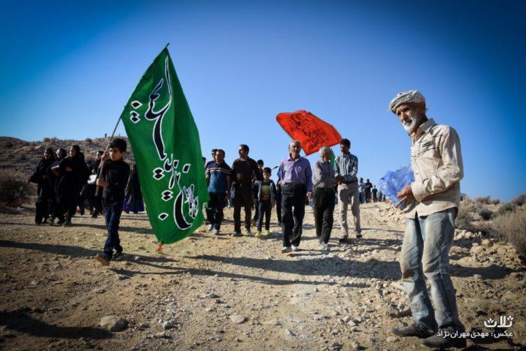 پیاده روی جاماندگان اربعین حسینی در روستای بهارستان جم