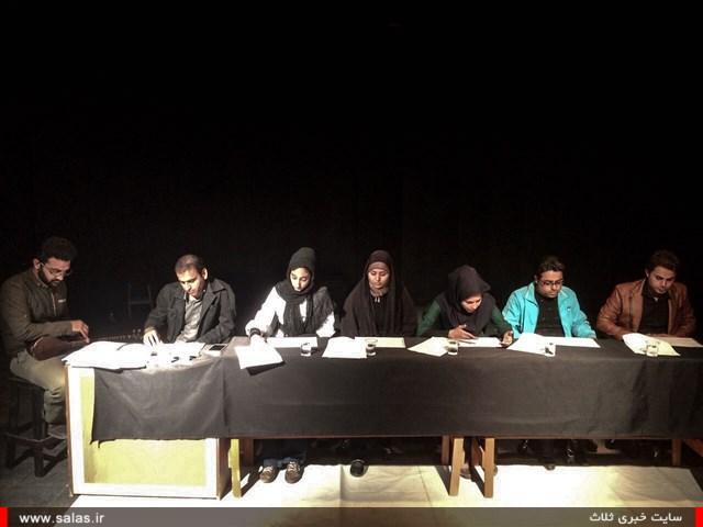 نمایشنامه-خوانی۳ (۷)